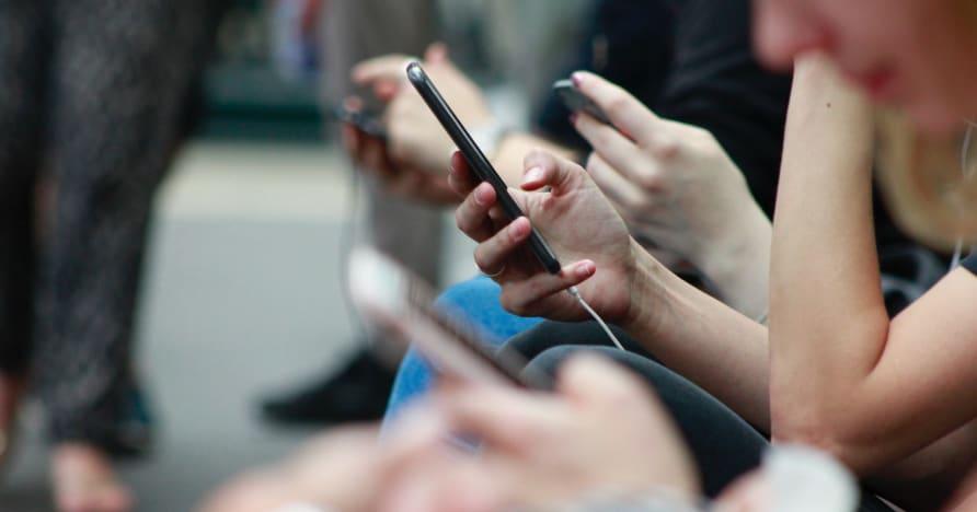 Начини за подобряване на живота на батерията на телефона за игри